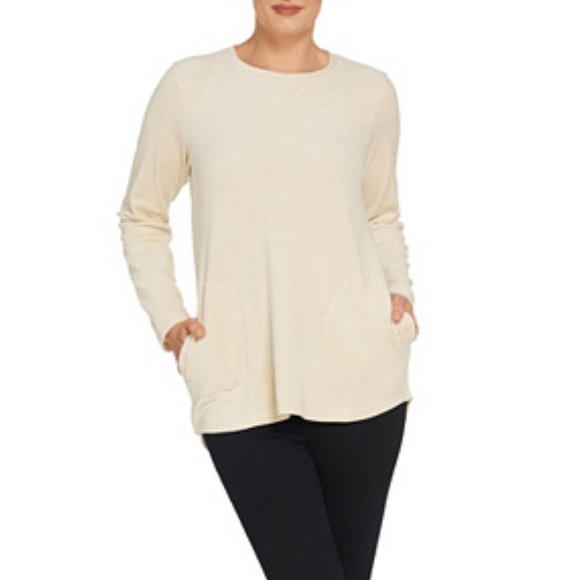Denim&Co Tops - 🛍D&CO ACTIVE Ivory Soft Velour Tunic w/Pockets